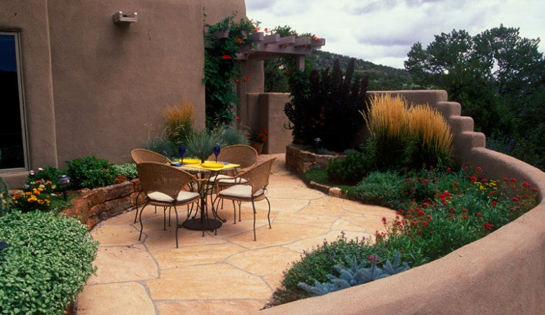 Using hardscape to form a beautiful garden around your home